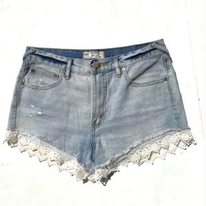 Free People light wash lace trimmed jean shorts-27